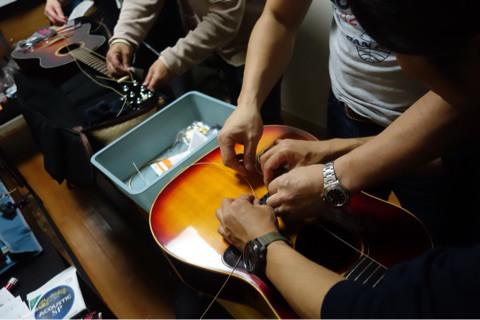 ギター弦交換挫折者救済ワークショップ Q-sai 楽器挫折者救済合宿